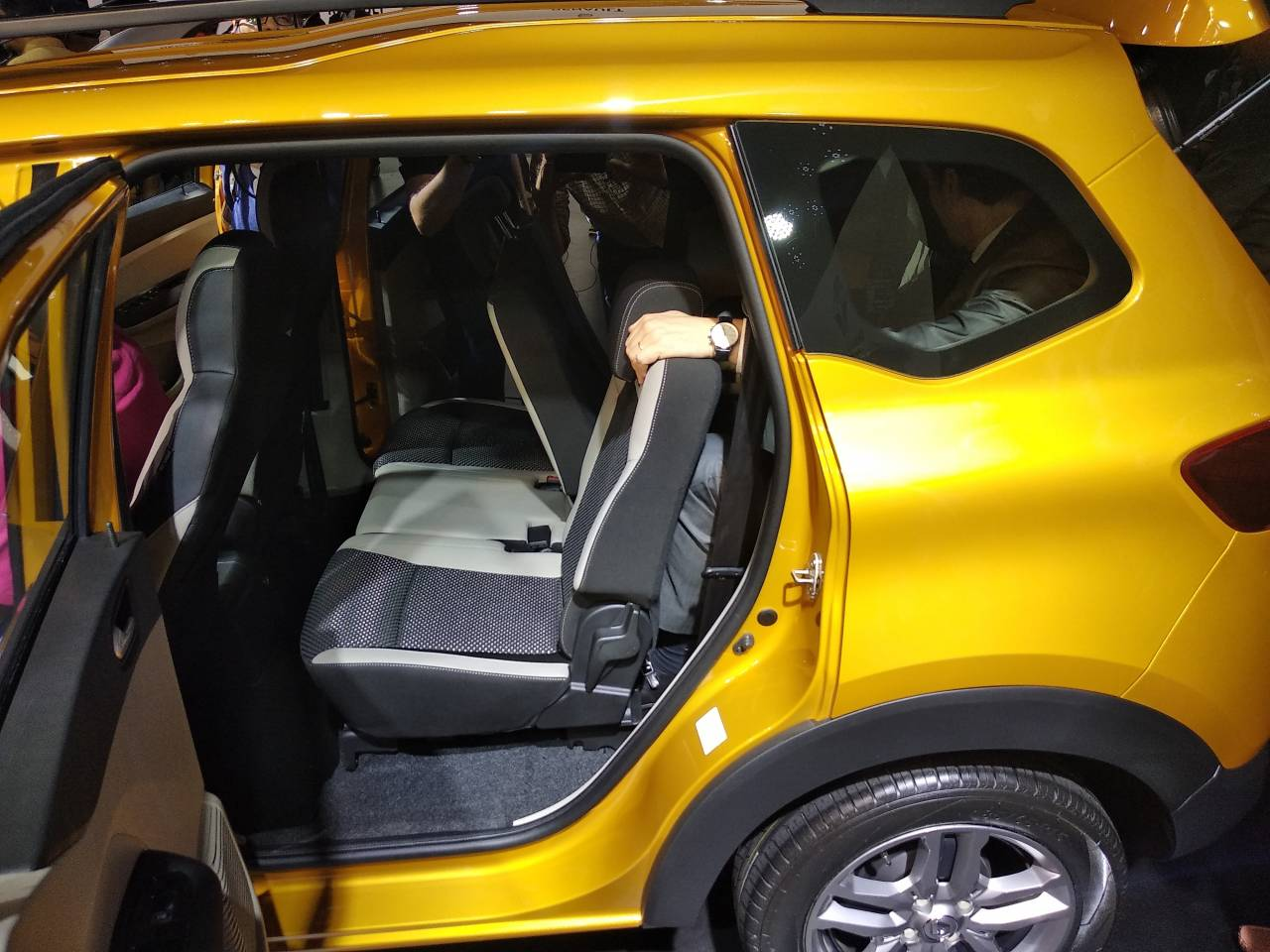 Triber gets sliding, recliable, foldable and tumble second row seats. The EasyFix seats allows for easy handling and removal of third row independent seats. Boot capacity remains 320 litres in six-seater configuration and 84 litre in seven seater configuration. In the five seating configuration the Triber gets a massive 625 litre space. (Image: Moneycontrol)
