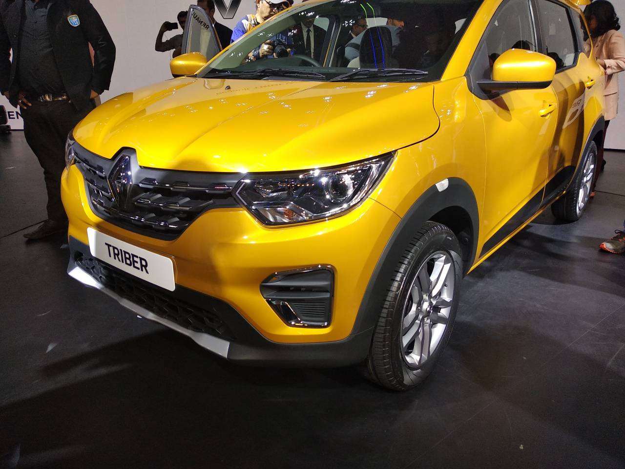 Like the Lodgy the Triber too will sport a third row. The Triber is based on the modified CMF-A platform that also hosts Renault's top-selling car Kwid. (Image: Moneycontrol)