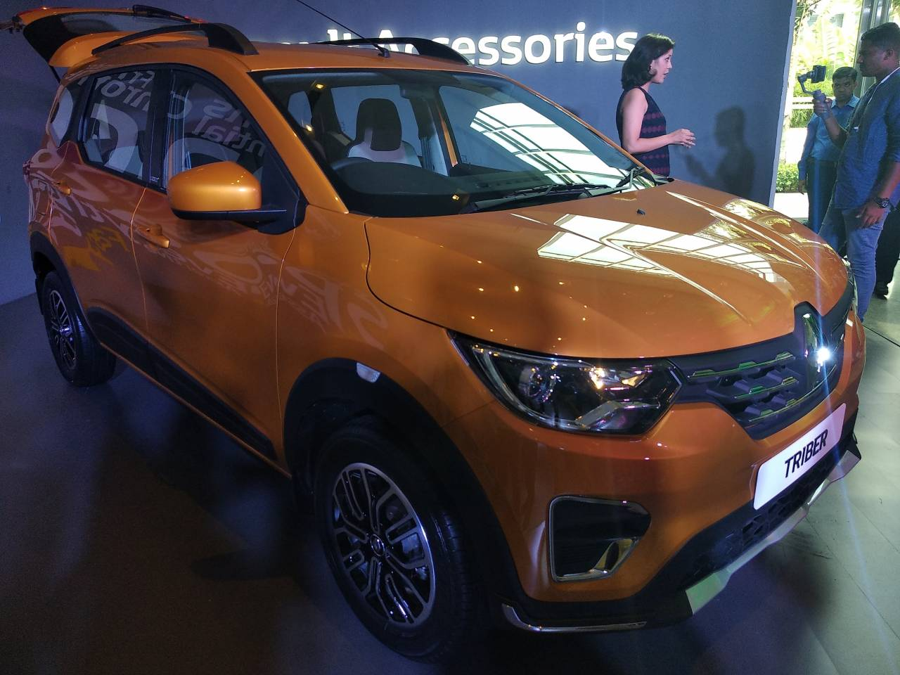 Renault unveils Triber in India: Find out specs and other details here