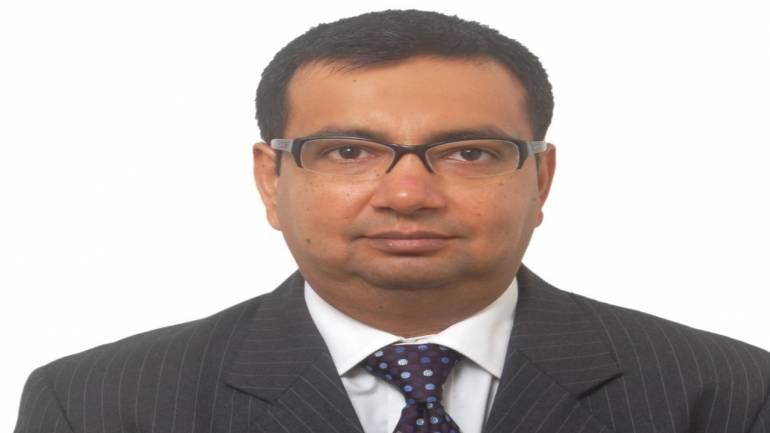Midcaps may outperform in next 1 year; positive on banks and autos: Karvy