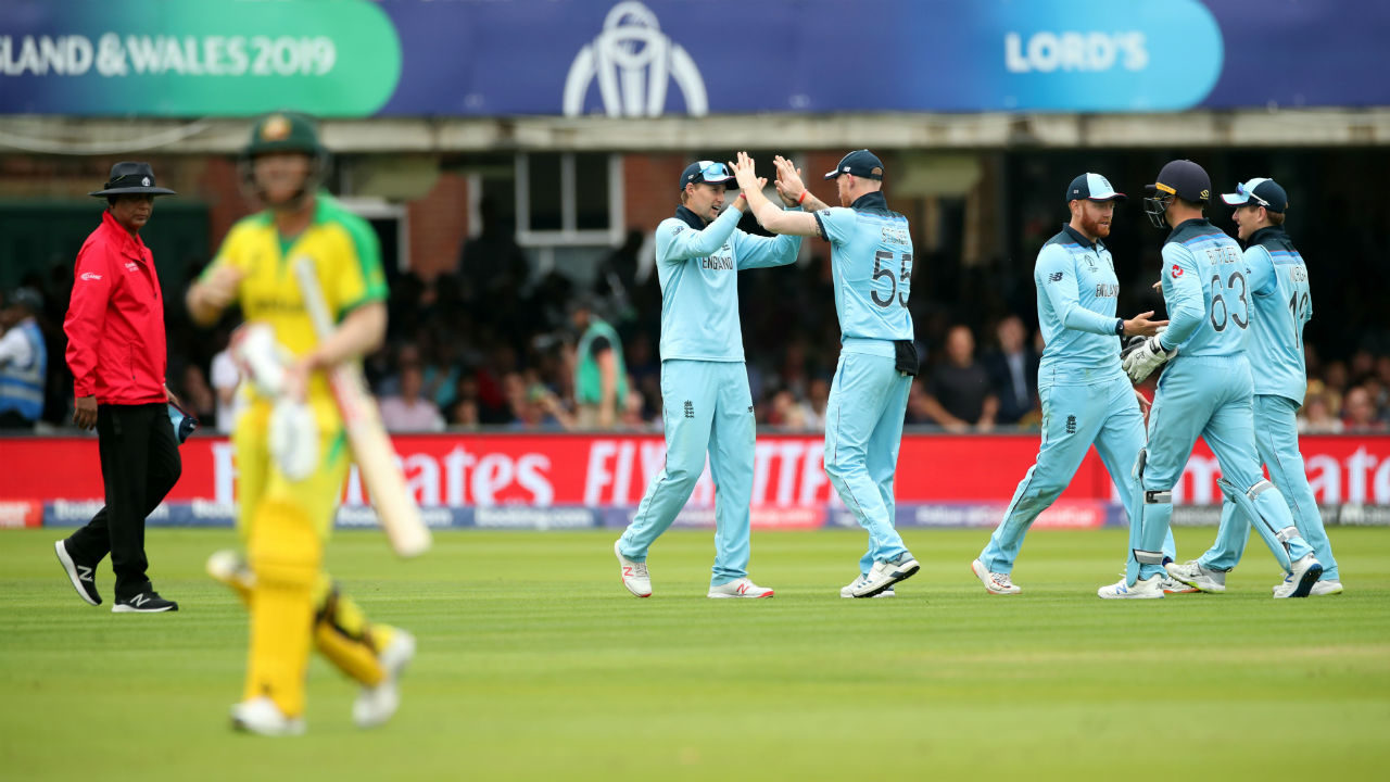 England got the first breakthrough when Moeen Ali got Warner caught by Joe Root in the 23rd over. Warner made a steady 53 off 61 as Australia were 123/1. (Image: Reuters)
