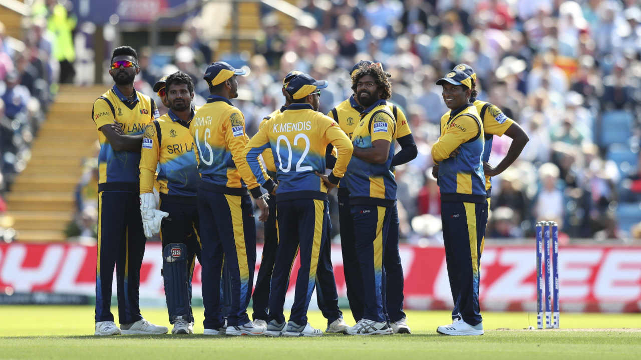 Malinga was absolutely irrepressible and accounted for the wicket of Root in the 31st over. He also trapped the dangerous Jos Buttler LBW in his very next over. Root returned with 57 while Buttler could only make 10 runs. England were down 144/5, still needing 89 runs to win when Buttler walked back. (Image: AP)