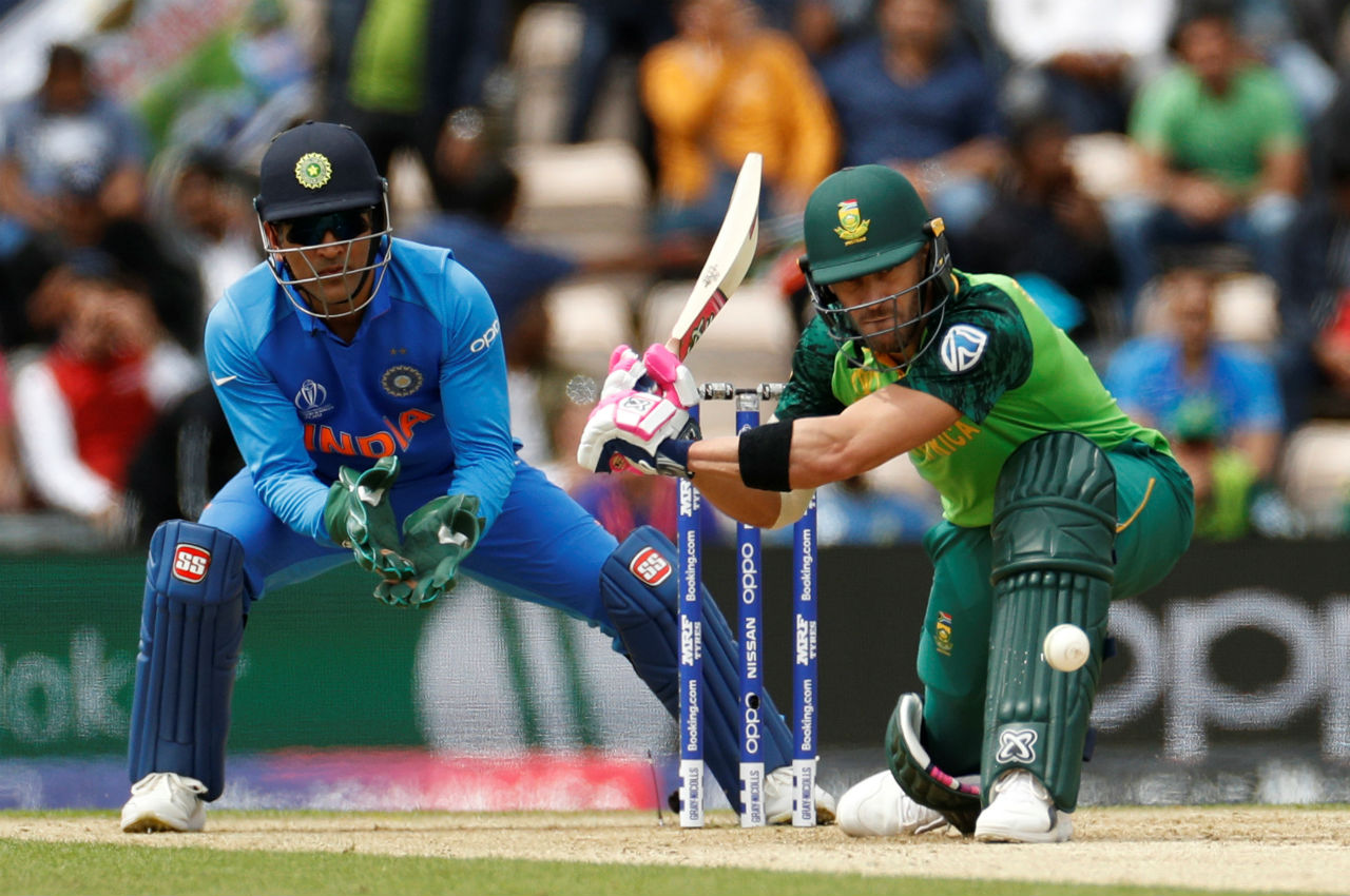 After early blows, du Plessis along with Rassie van der Dussen put up a 54-run partnership to rebuild the South African innings. (Image: Reuters)