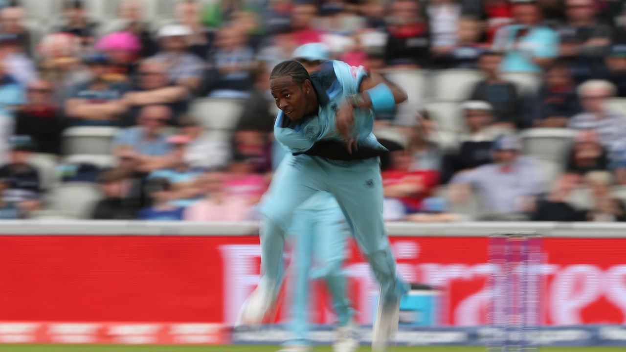 Afghanistan began the chase poorly as Jofra Archer dismissed Noor Ali Zadran on a duck. (Image: Reuters)
