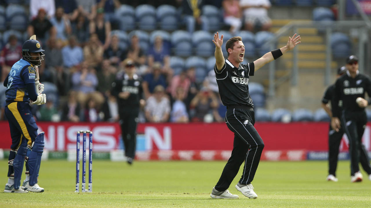 Matt Henry got the Kiwis off to a flying start as he trapped Lahiru Thirimanne LBW off just the 2nd ball of the game. The umpire wasn't convinced but Williamson went for the review and Thirimanne had to walk. (Image: AP)