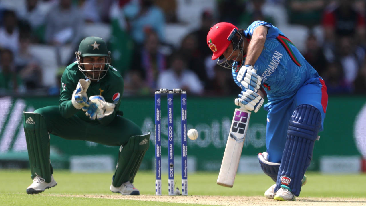 Asghar Afghan then took charge of proceedings and showed great attacking intent against the Pakistani bowlers. He hammered his way to 42 off 35 balls but was finally castled by Shadab Khan in the 26th over. Imad then got rid of Ikram in the next over with the wicket-keeper batsman scoring just 24 off 66 balls. Afghanistan were 125/5 when Ikram walked back. (Image: Reuters)