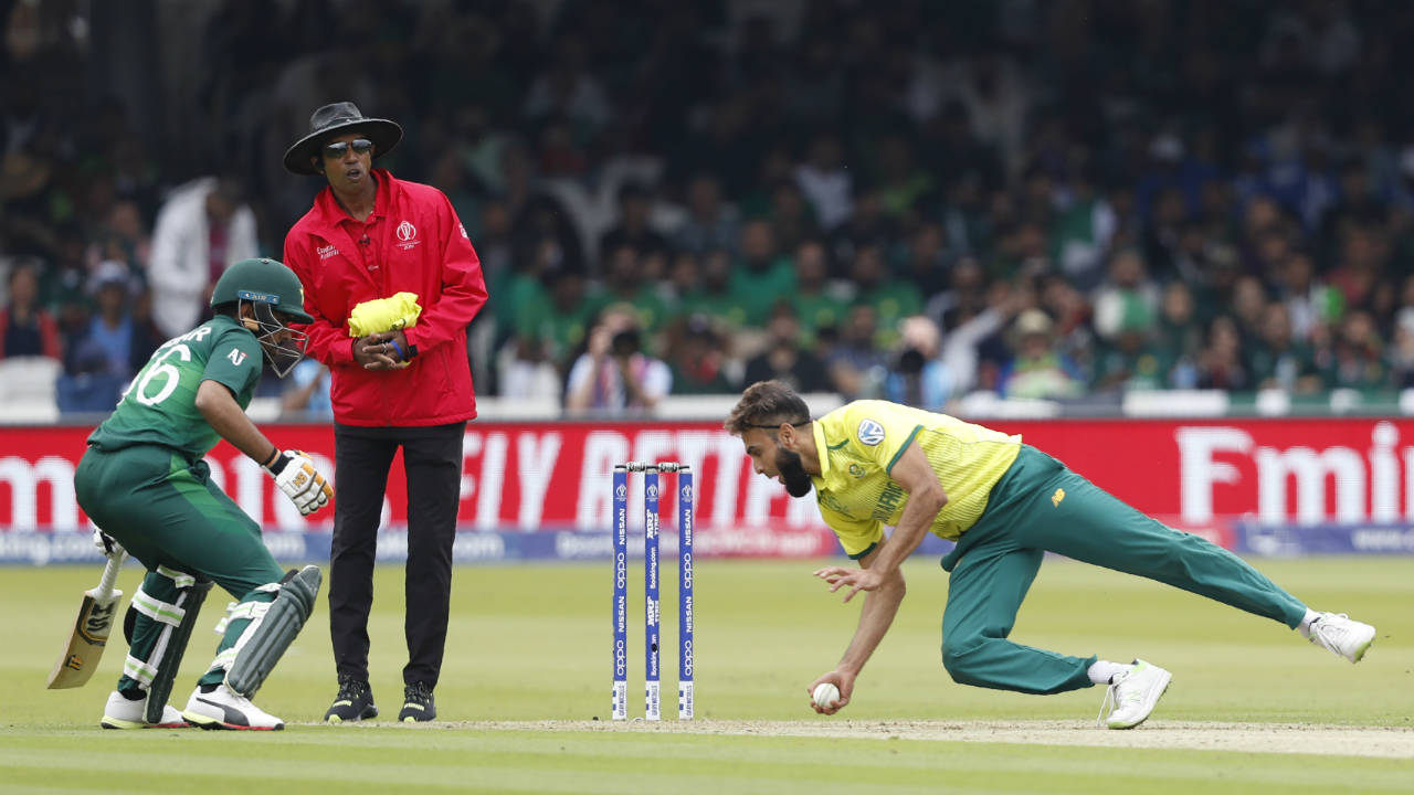 The partnership for was finally broken by Imran Tahir in the 15th over when Fakhar went for a needless scoop. Tahir then got rid of Imam taking a sharp return catch in the 21st over. Both openers returned with 44 runs each. (Image: AP)