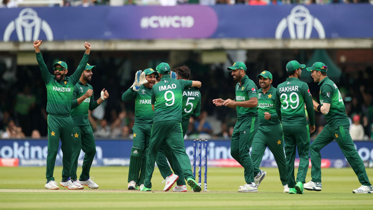 The South African run-chase got off to a horrid start when Mohammad Amir picked up a wicket with his very first delivery in the 2nd over. Amir trapped Hashim Amla LBW but the batsman was only given out after a successful review from Pakistan. (Image: Reuters)