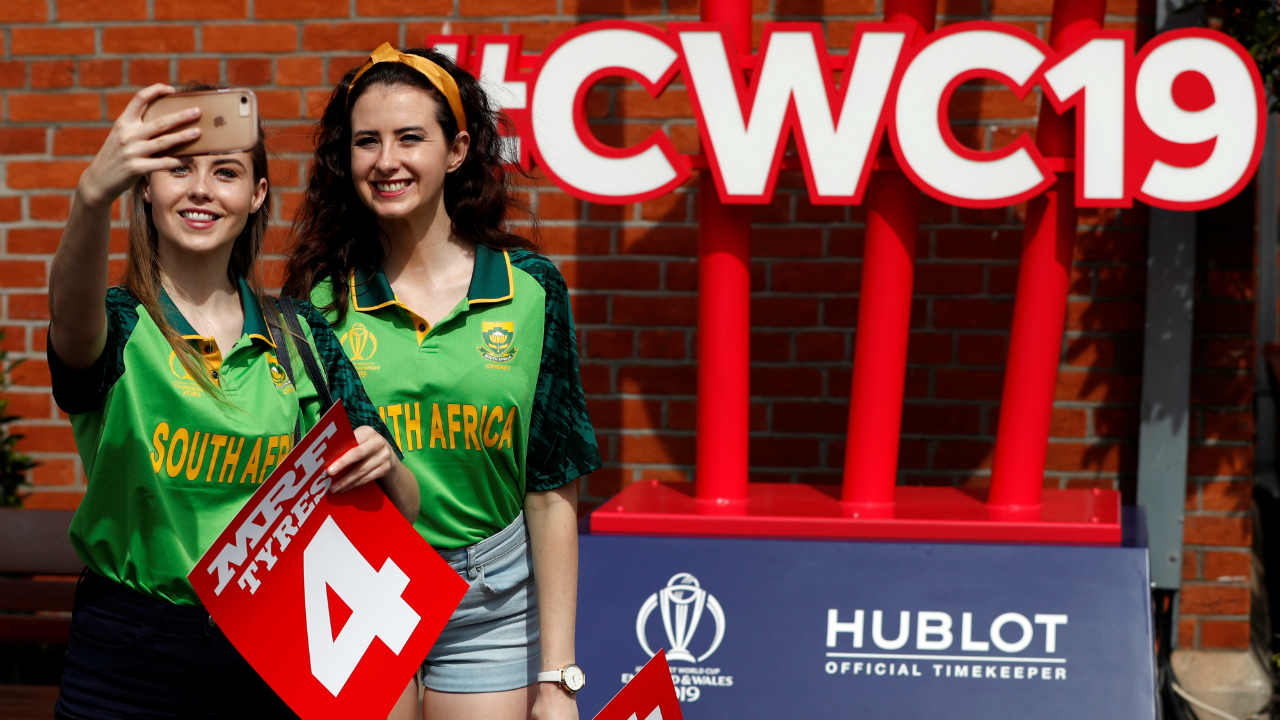 South Africa and Bangladesh faced off for match 5 of the ICC Cricket World Cup 2019 at the Kennington Oval, London. Faf du Plessis won the Toss and opted to bowl. (Image: Reuters)