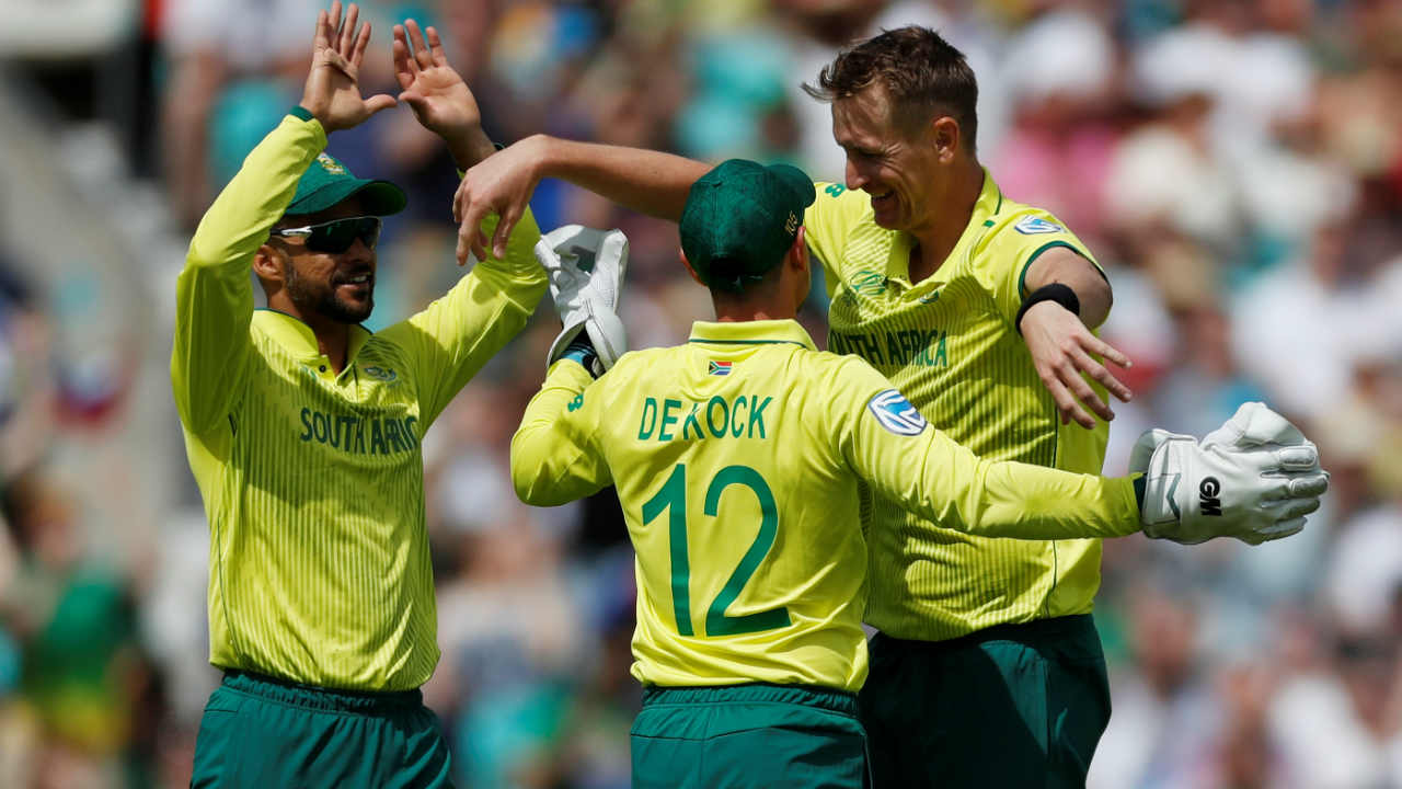 Chris Morris then got rid of the other opener as Sarkar missed with the pull shot and the ball popped up off the gloves. de Kock reacted brilliantly to take a sharp catch while diving forward. (Image: Reuters)