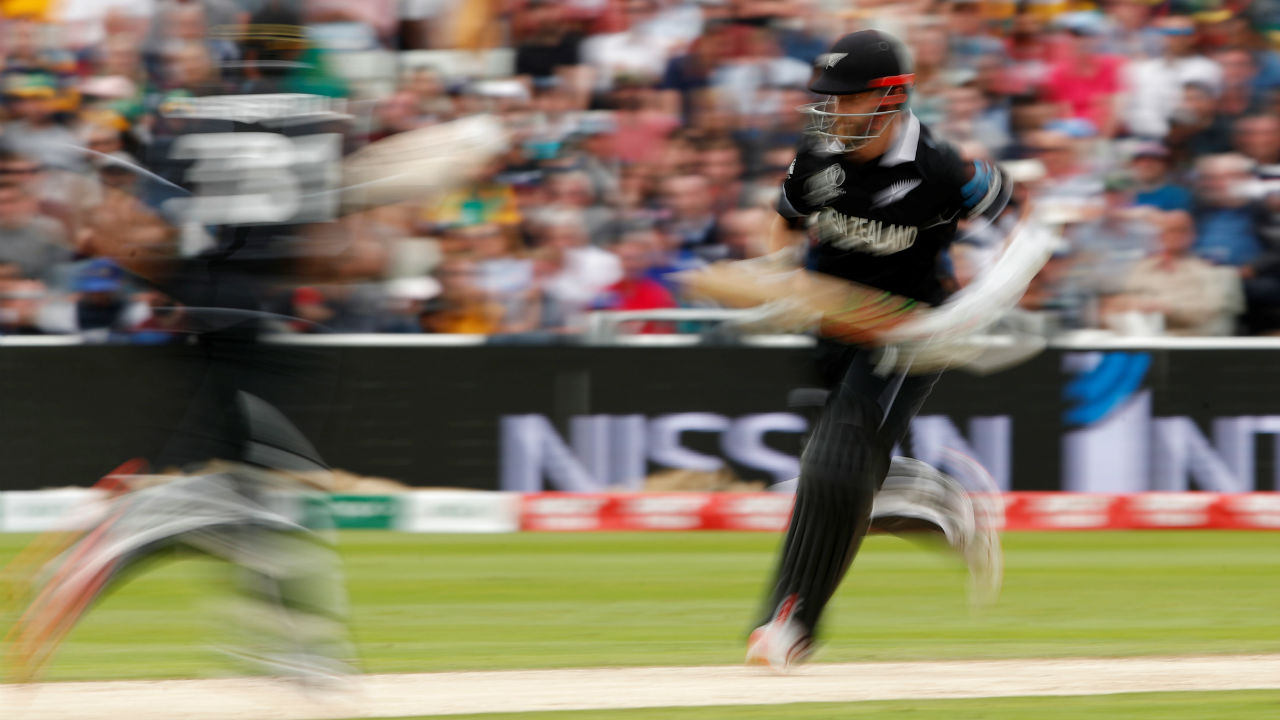 Williamson then put up a 91-run partnership along with Colin de Grandhomme. de Grandhomme hit 60 off 47 balls to take New Zealand closer to the winning total. (Image: Reuters)