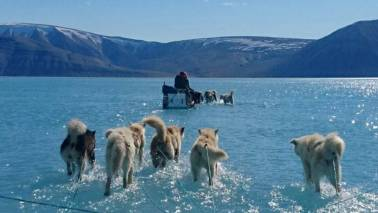 Two billion tonnes of ice melted in Greenland in just one day