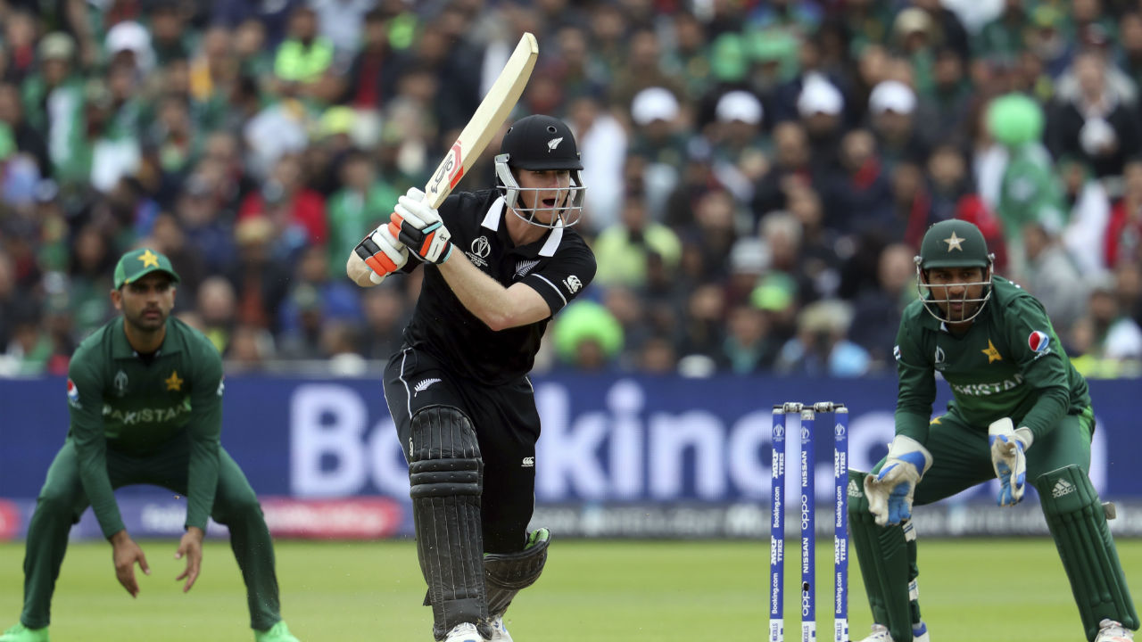 With their side struggling, Kiwis' all-rounders James Neesham and Colin de Grandhomme came together to stabilize the innings. Neesham reached his fifty in the 40th over. (Image: Reuters)