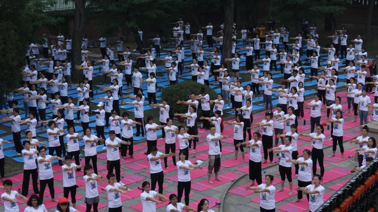Yoga performed in China during the fifth International Day of Yoga. (Image: Twitter/@EOIBeijing)