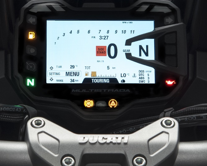 Ducati has equipped the motorcycle with a 5-inch TFT display, which is an updated version of the one on the Multistrada 1260 S. It integrates graphic displays for showing important rider aid changes. (Image source: Ducati.com)