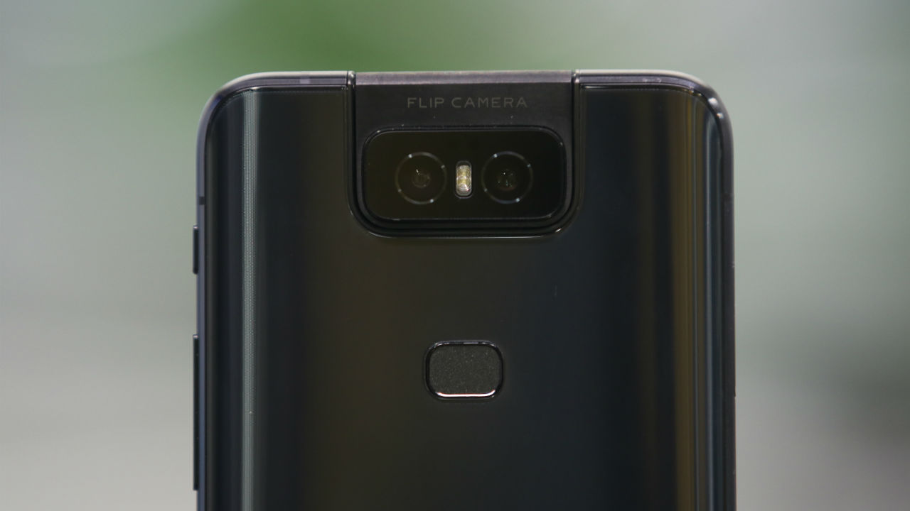 The highlight feature of the Asus 6Z is its camera unit. The rear camera unit features a 48MP f/1.79 Sony IMX 586 sensor and a 13MP 145-degree ultra-wide sensor.