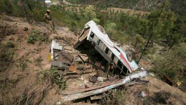 35 foreigners killed, 4 injured as bus crashes in Saudi Arabia: Report