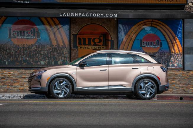 Hyundai To Launch Hydrogen Car Nexo With 1 000 Km Drive Range In India In 2021