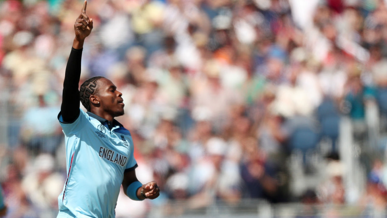 Jofra Archer followed Woakes and sent back Martin Guptill in the sixth over. Guptill made 8 off 16 as New Zealand were 14/2. (Image: Reuters)