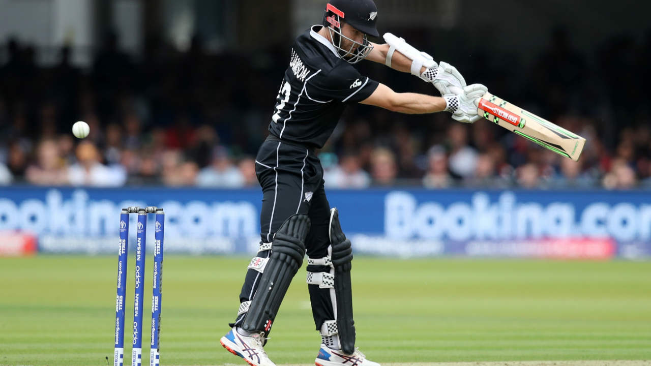 After fall of Guptill's wicket, Williamson stitched a 50-run partnership with Nicholls to stabilize the New Zealand innings. (Image: Reuters)