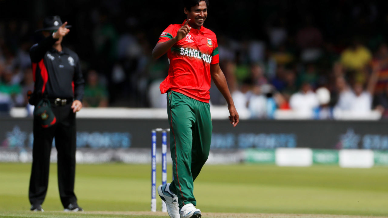 Mustafizur picked up the wicket of Mohammed Amir on the penultimate delivery of Pakistan's innings to complete his second successive five-for following his five-for against India. Pakistan finished with 315/9. (Image: Reuters)