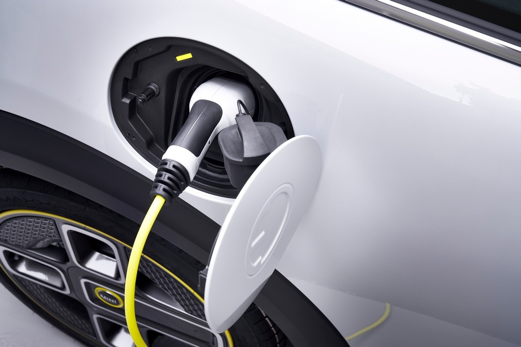 Mini has equipped the Cooper SE with three driving modes including Green, Green+ and Sport. It also gets a 32.6kWh battery pack which can go for 270km on a single charge. A standard charger takes up to 2.5 hours to charge it from 0-80 percent, while a 50kW fast charger can do the same in 35 minutes. (Image: BMW media center)