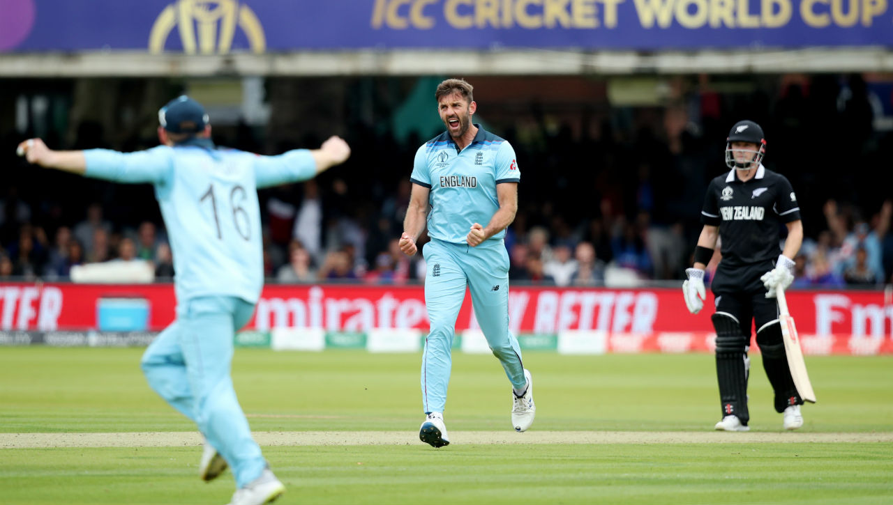 New Zealand dealt a body blow when Liam Plunkett forced an edge from Williamson's bat which was safely pouched by Jos Buttler in the 23rd over. Williamson made 30 off 53 as New Zealand were 103/2 after 24 overs. (Image: Reuters)