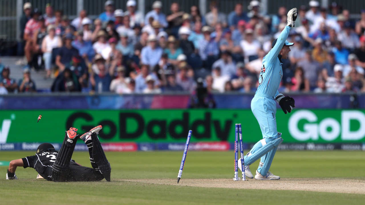 New Zealand were in more trouble when Ross Taylor too got run out. Taylor was dismissed in the 17th over with the Blackcaps reeling at 69/4. (Image: Reuters)
