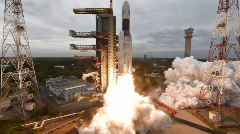 Aussies see bright light in sky, expert says it could be Chandrayaan