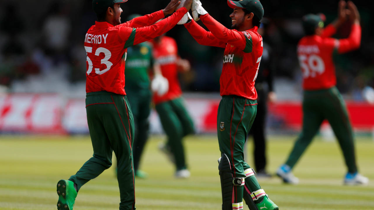 Bangladesh started strong as Mohammad Saifuddin got Fakhar Zaman caught by Mehidy Hasan in the eight over. Fakhar made 13 off 31 as Pakistan were 23/1. (Image: Reuters)