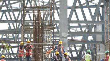 361 infra projects show cost overruns of Rs 3.77 lakh crore