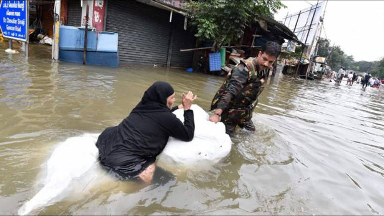 Floods in India kill 33, displace thousands