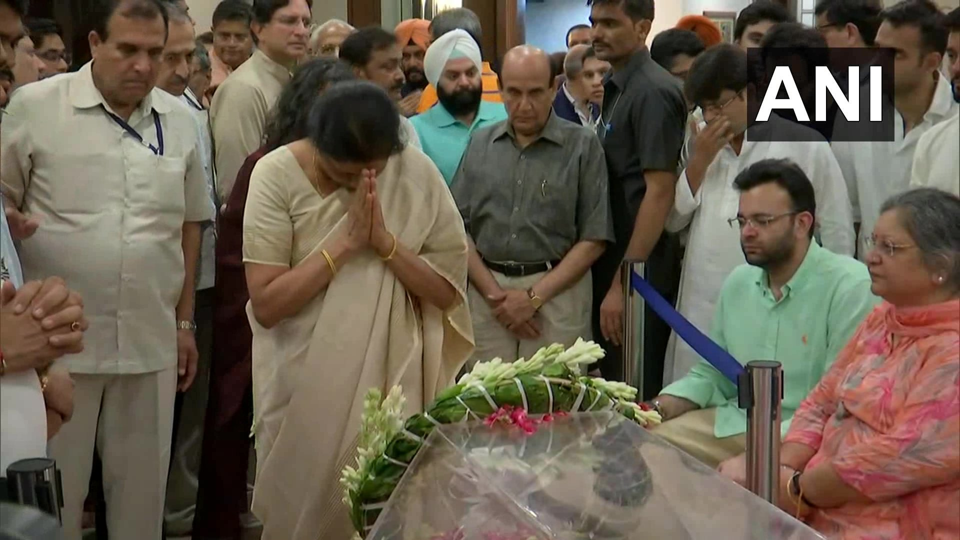 Finance Minister Nirmala Sitharaman pays her respects to Arun Jaitley (Image: ANI)