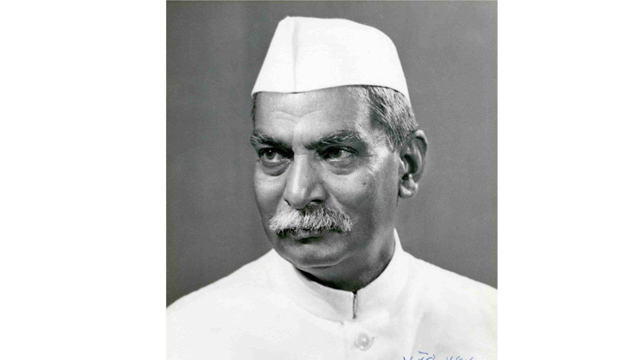 Dr Rajendra Prasad sworn in as President: Dr Rajendra Prasad was sworn as the first President of the Republic of India on January 26, 1950. He was in the office till May 13, 1962. He also served as the president of the Indian National Congress for three terms (1934, 1939, and 1947). (Image: Wikipedia)