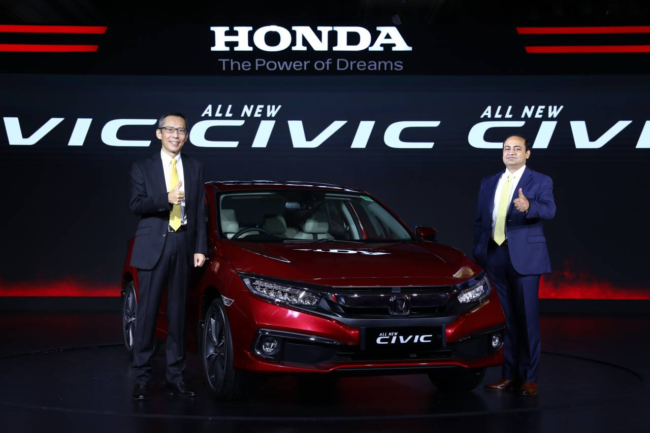 Launch in March 2019 the re-entry of the Honda Civic met with a severe slowdown. Honda is thus offering a direct Rs 2.5 lakh discount on the premium sedan to clear stocks (Image: Honda)