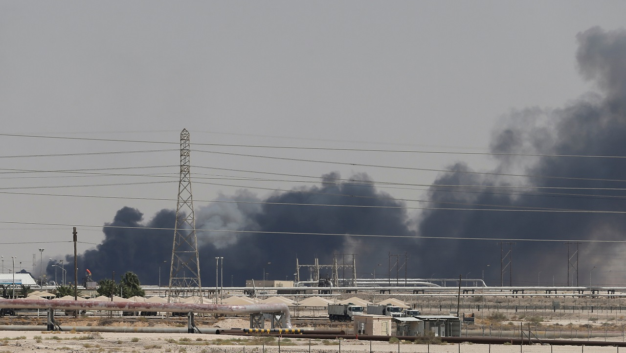 Smoke is seen following a fire at Aramco facility in the eastern city of Abqaiq, Saudi Arabia, September 14, 2019. REUTERS/Stringer - RC18BDE58360