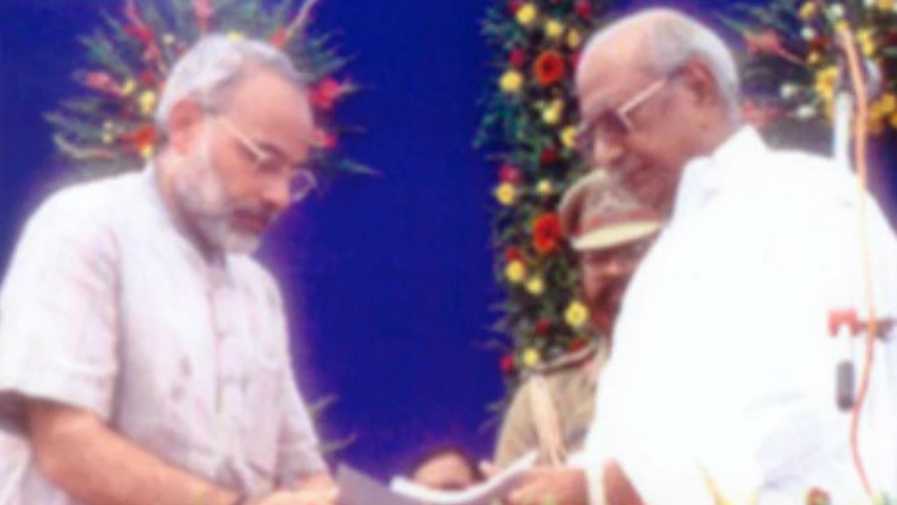 2001: Modi is sworn in as the Chief Minister of Gujarat for the first of three times. (Image: narendramodi.in)