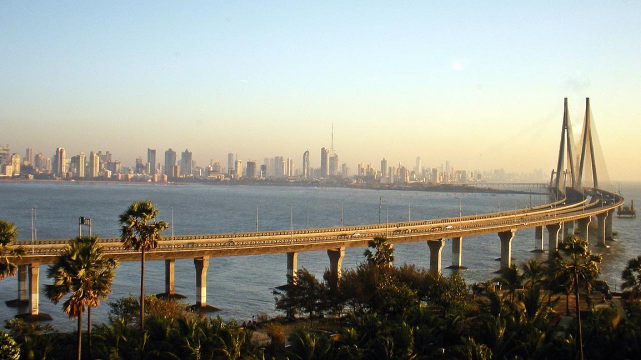 2   Worli, Mumbai - Rs 41,500 per sq ft (Image: Wikimedia Commons)