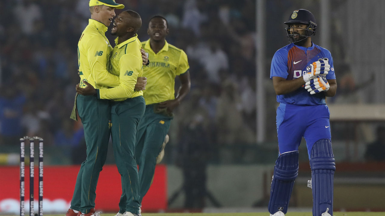 Phehlukwayo got the first breakthrough for Proteas as he trapped Rohit in front of the wickets. Rohit made 12 off 12 as India were 33/1. (Image: Reuters)