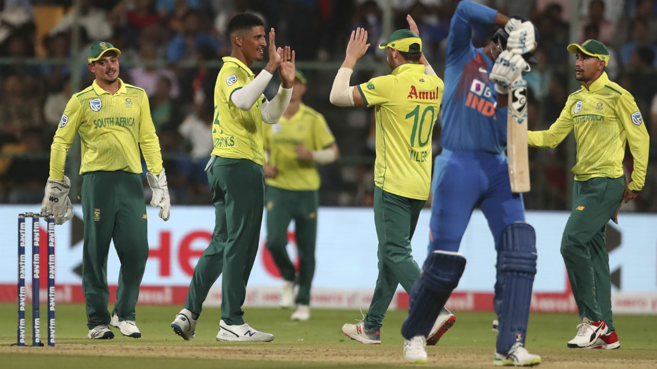 Krunal Pandya departed in the 15th over as he edged a delivery from Beuran Hendricks to Quinton de Kock. Krunal made 4. (Image: AP)