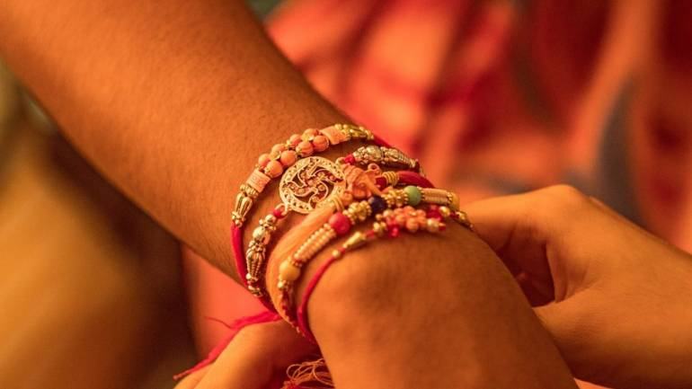Fringe group protests after Tamil Nadu school asks students to remove  religious wrist bands