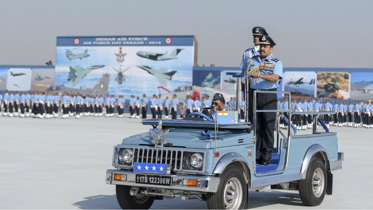 The 87th Indian Air Force Day Parade was held at the Hindon airbase, in Ghaziabad, Uttar Pradesh on October 8, 2019. In this picture, IAF's chief Air Chief Marshal Rakesh Kumar Bhadauria is seen reviewing the parade. Here are images from the celebrations: (Image: PTI)