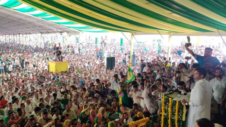 JJP chief Dushyant Chautala at a rally in Haryana (Image: Twitter/@Dchautala)
