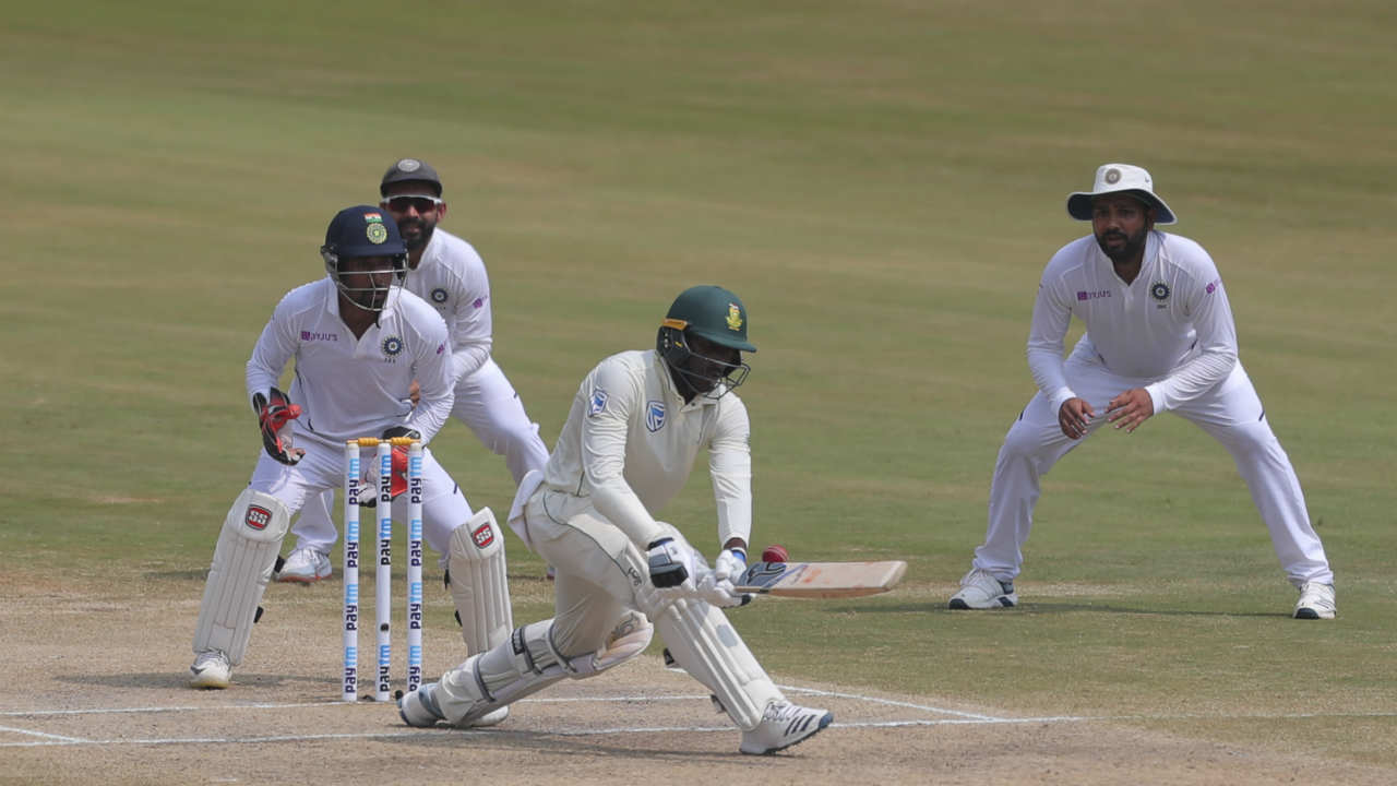 South Africa resumed their innings at 385/8 on Day 4 of the 1st Test against India at Visakhapatnam, with debutant Senuran Muthusamy 12 (60) and Keshav Maharaj 3 (14) at the crease. The duo added 11 runs before Ravichandran Ashwin struck picking up his 6th wicket of the innings. Ashwin got Maharaj caught by Mayank Agarwal at long-on. (Image: AP)