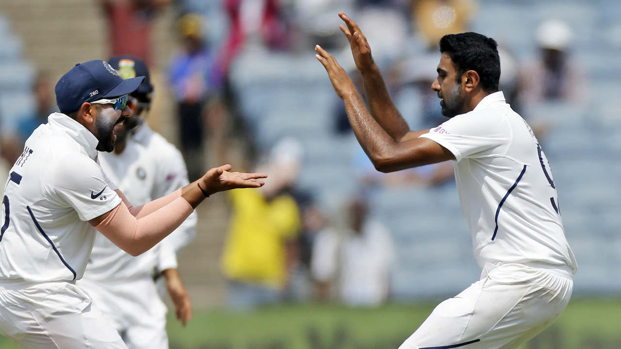 R Ashwin finally ended Du Plessis' resistance when Ajinkya Rahane took the catch. Du Plessis made 64 off 117 deliveries hitting 9 boundaries and 1 six. South Africa were reeling at 162/8 at fall of Du Plessis' wicket. (Image: AP)