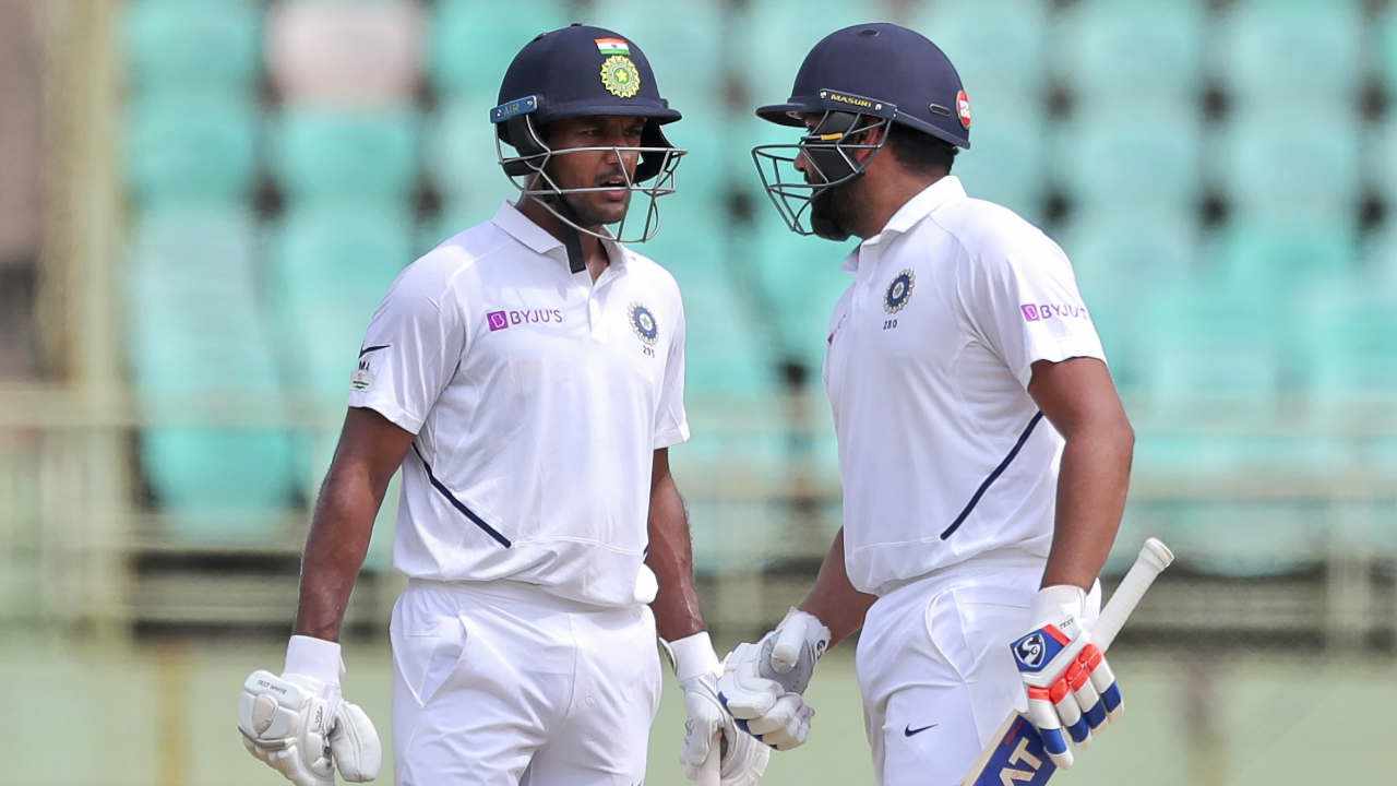 Proteas bowlers failed to take any wickets in the first session as Rohit 52* and Agarwal 32* took India to 91/0 at Lunch. (Image: AP)