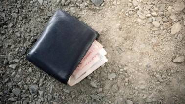 London man loses wallet, finds money credited to his bank account