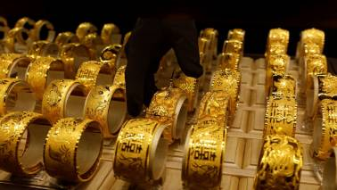 Gold stays firm at Rs 40,076, silver slips to Rs 46,110