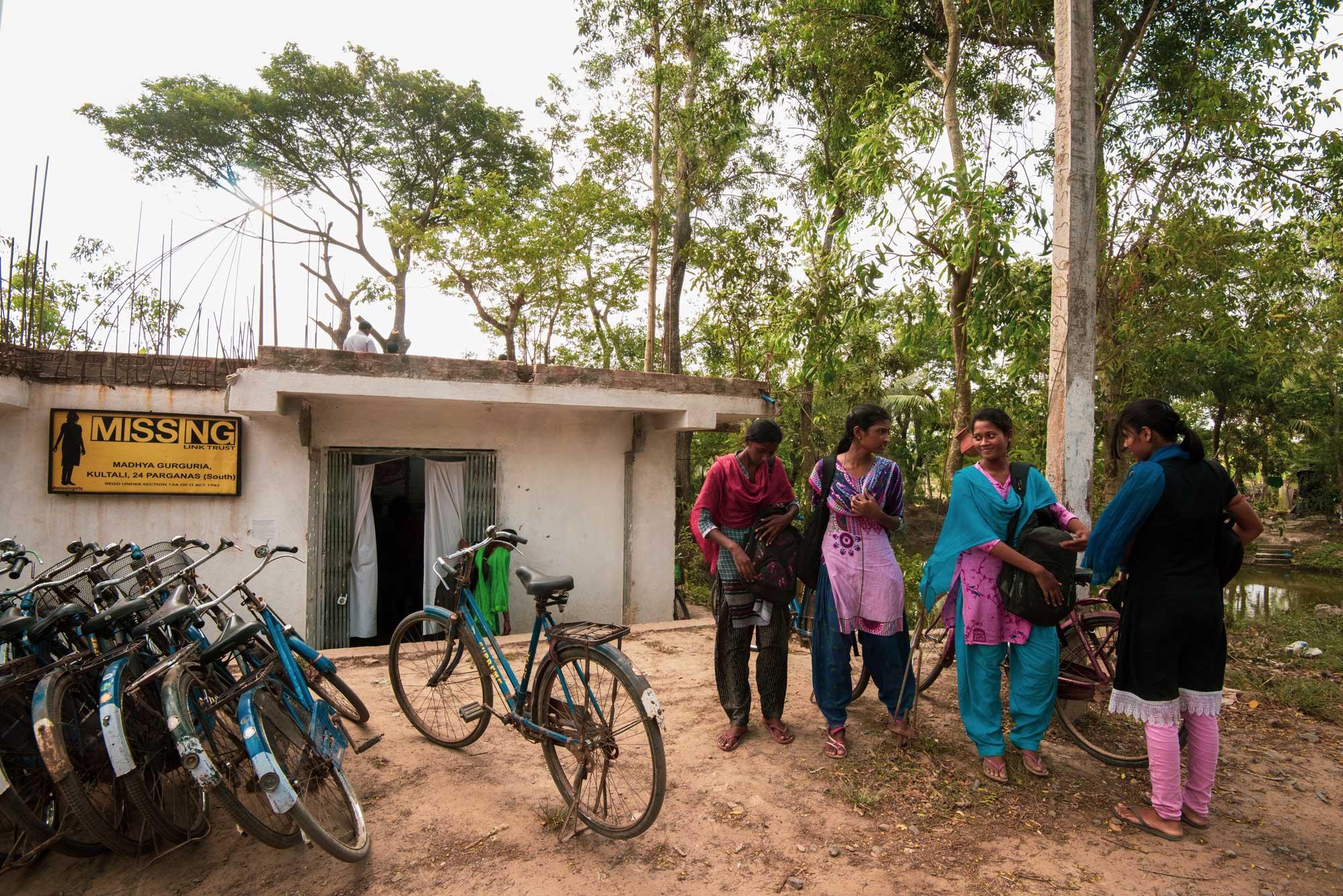 Leena-Kejriwal-Digital-Empowerment-Centre-in-Kultoli